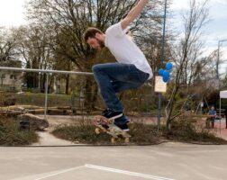 042-skater-ms