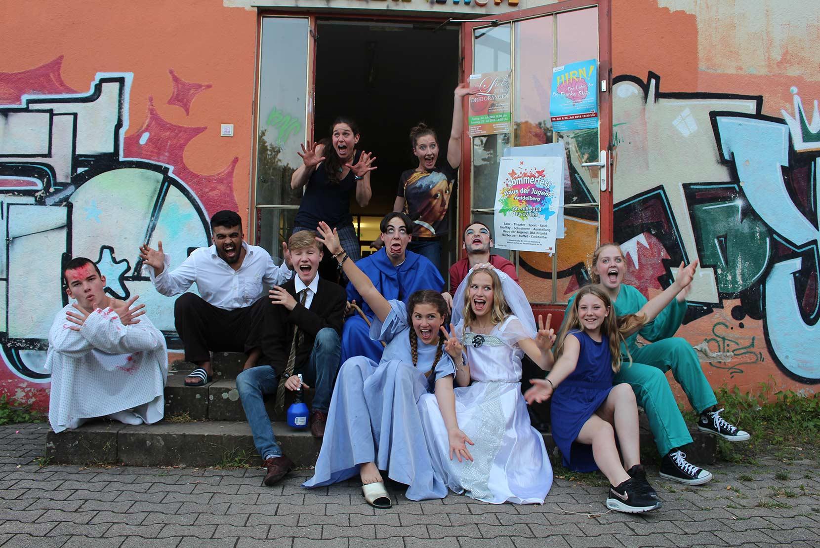 Hirn - Maxi-Theatergruppe